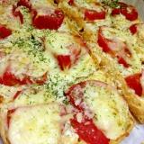トースターで簡単、油揚げのピザふうチーズ焼き