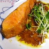 焼き塩鮭の亜麻仁ワサビダレ