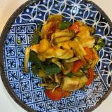 鶏胸肉と彩り野菜のカレー炒め