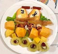 テリーヌと果物のおつまみサラダ
