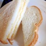 中がサクサク☆トーストを挟むサンドイッチ