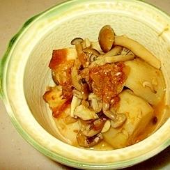 かつお節たっぷりの里芋の煮物です