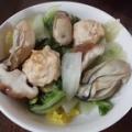 牡蠣と肉団子と野菜たっぷりスープ