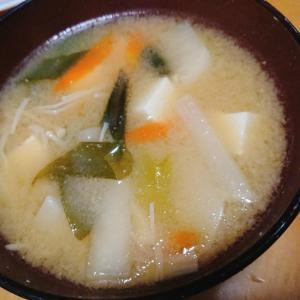 冷凍野菜を炒めてお味噌汁