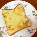 薄焼き卵のチーズトースト
