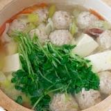 豚ひき肉の肉団子鍋