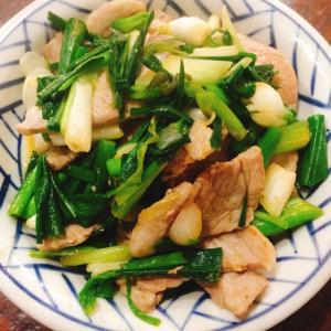 葉玉ねぎと豚肉の炒めもの