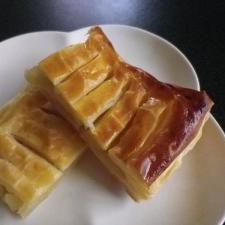 冷凍パイシートと林檎煮で手抜きアップルパイ
