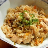 ヘルシー❤鶏ささ身の炊き込みご飯♪(塩昆布ほか)