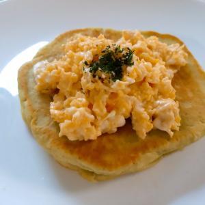 卵マヨの抹茶パンケーキ