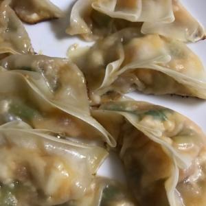 麻婆豆腐で♪チーズ入り餃子☆