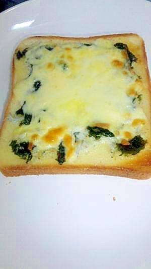 簡単☆迷わず和風niしらす(じゃこ)チーズトースト