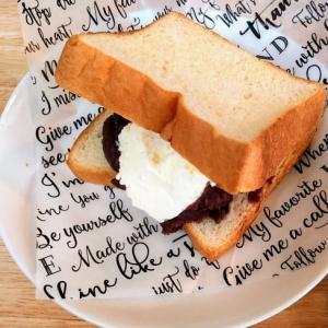 あんこ&バニラアイスのトーストサンド