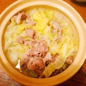 簡単☆白菜と豚肉のシンプル鍋