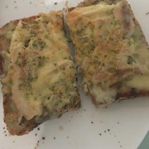 簡単チキンチーズ・トースト