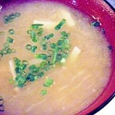 大根とエノキと高野豆腐のお味噌汁