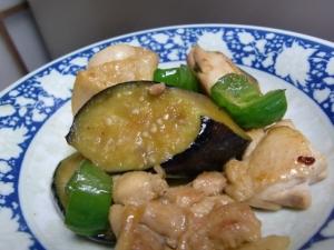 鶏もも肉と野菜の炒め物
