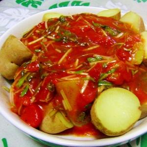 豆腐とじゃが芋のトマトソースあんかけ