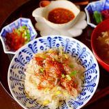 豚バラ肉と豆もやしの韓国風ごはん