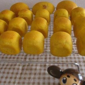 もちふわ♪かぼちゃの米粉パン