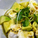 アボカドカマンの亜麻仁油サラダ