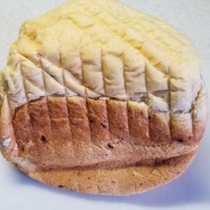 【ミックスチーズと柿ジャムの食パン】HB