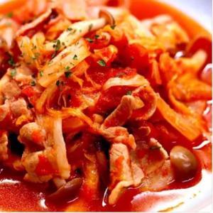 白菜と豚バラ肉のトマト煮込み