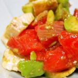 サーモンとアボカドとカマンベールの柚子胡椒マリネ