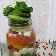 簡単!楽し♪可愛♪彩りサーモン・タコのジャーサラダ