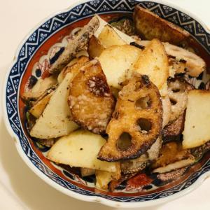 レンコンとジャガイモのチーズ炒め