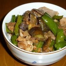 子供のリクエスト、肉野菜炒め丼
