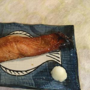 秋鮭の漬け焼き