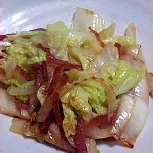 白菜の甘みがおいしい 白菜とサラミの炒め煮