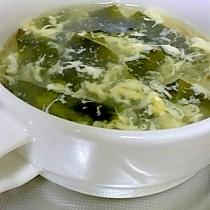 ふわとろ卵のワカメスープ