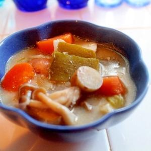 【食物繊維たっぷり!】ごろごろ野菜と鶏肉のお味噌汁