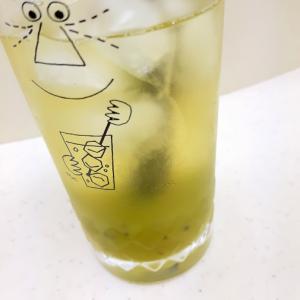 簡単(^^)水出し緑茶とキウイソースのドリンク♪