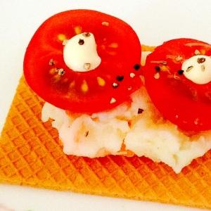 ポテサラ♡トマトon大麦クラッカー