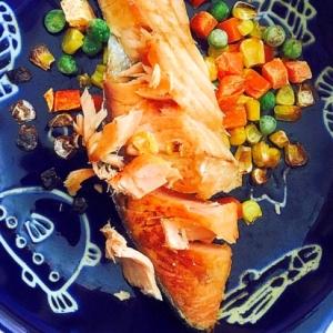幼児食☆鮭とミックスベジタブル焼き