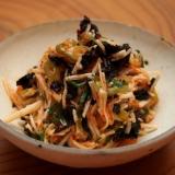 簡単おつまみ!長芋とキムチと焼き海苔の和えもの