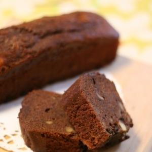 チョコと4つのナッツのリッチなチョコケーキ