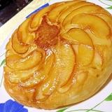 フライパンで作るハニーアップルケーキ