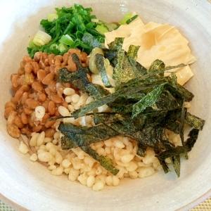 湯葉と納豆のヘルシー蕎麦