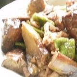 牛肉で茄子とピーマンの鍋しぎ