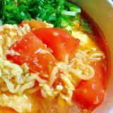 インスタントラーメンアレンジレシピ! トマト卵麺
