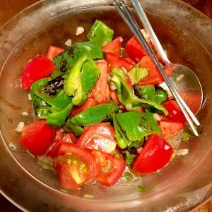 夏サラダ☆焼きピーマンとトマトサラダ