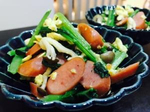 小松菜とウインナーのふわっと卵炒め