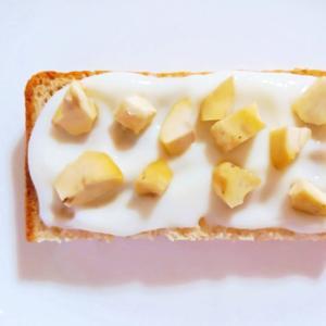 ヨーグルトクリーム蒸し栗トースト