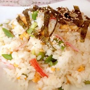 いんげんとカニカマと卵のチラシ寿司