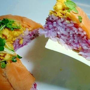 サーモンのケーキ寿司