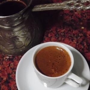 煮だして淹れるトルココーヒー